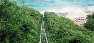 Lift Di Pantai Karma Kandara Bali